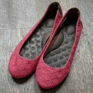 Reef Red Woven Flats